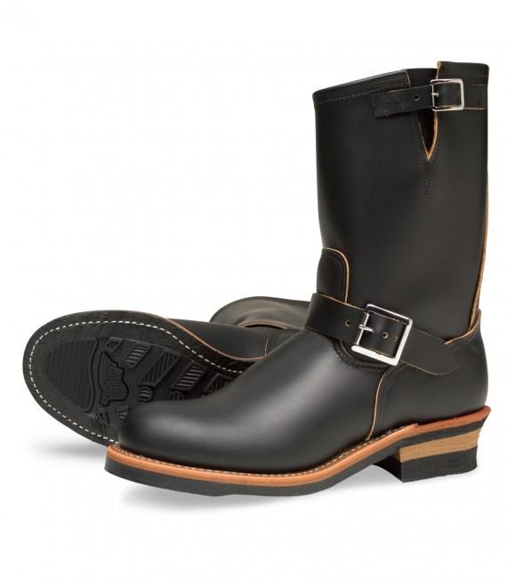 Red_Wing_Shoes_2966_Engineer_Black_Klondike_Neoprene_Cord