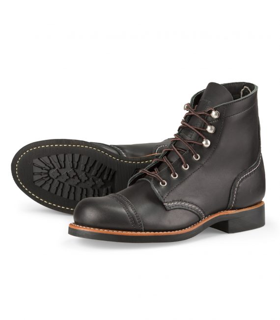 Red-Wing-Shoe-Store-Frankfurt-3366-Iron-Ranger-Black-Boundary